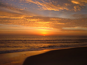 English: Sunrise at Virginia Beach